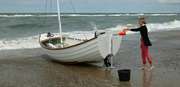 Billedserie om søsætning af Haakons havpram